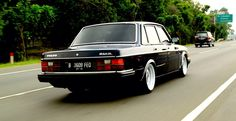 """thatyellowvolvoguy: """" swedmet: """" Indonesia killin it. Andri Glori's awesome """" Damn, nicely done. Very stately """" indeed Volvo Cars, Bmw Cars, Volvo Coupe, Europe Car, Volvo Amazon, Volvo 240, Old School Cars, Mustang Cars, Amazing Cars"""