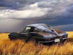 #hotrod #custom #customs #ford #chevrolet #chevy #buick #cadillac #edsel #desoto #chrysler #lincoln #dodge #americancars #ratrod #gm #mopar #vintagecar #oldcar #dailydriven #v8 #classiccar #pontiac #cars #car #cruising #plymouth #corvette