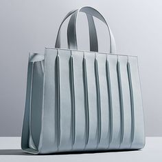 Renzo Piano has designed a limited edition bag for Italian fashion house Max Mara modeled after his latest project: New York's Whitney Museum