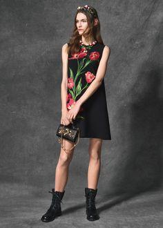 0a8d50e61a9d4 Scopri Dolce   Gabbana Collezione Donna Autunno Inverno 2016 2017 Tulipani e  lasciati ispirare. Abiti