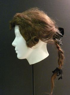 Wig, 18th century, made of human hair. Connecticut Historical Society.
