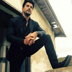 Turkish Men, Turkish Actors, Burak Ozcivit, Stylish Mens Outfits, Cute Stars, Actrices Hollywood, Dapper Gentleman, Beautiful Morning, Famous Men