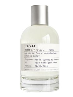 Bergamote 22 by Le Labo is a Citrusy-Fresh, Woody-Aromatic fragrance for men and women. The fragrance contains the dominant notes of Bergamot, Vetiver, Orange Blossom and Grapefruit. Le Labo, Perfume Samples, Best Fragrances, Bottle Sizes, Beauty Packaging, Packaging Ideas, Best Perfume, Mecca, Orange Blossom