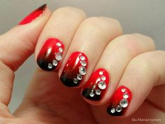 Ida-Marian kynnet / Black and red with rhinestones / #Nails #Nailart
