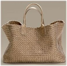 Introducing the Bottega Veneta Cabat Bag. This open tote bag has rolled double handles and is made of full woven leather inside and out. Best Handbags, Large Handbags, Beautiful Handbags, Beautiful Bags, My Bags, Purses And Bags, Leather Handbags, Leather Bag, Handbag Accessories