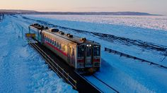 北海道 釧網本線 釧路・阿寒・知床と、北海道の3つの国立公園の大自然を巡る釧網線。冬はオホーツク海の流氷を眺めることが出来る「流氷ノロッコ号」も運航。