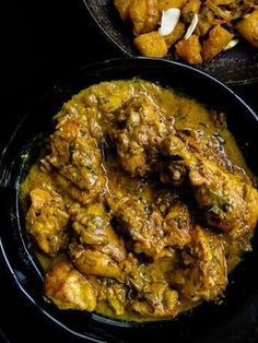 Black Pepper chicken marinated in Yoghurt spice Black pepper chicken marinated in Yoghurt-spice. a fragrant chicken curry dish with a deeply satisfying gravy so thick a second serve is a must. Cooking Dishes, Cooking Recipes, Cooking Tips, Asian Cooking, Pasta Recipes, Chicken Masala Curry, Black Pepper Chicken, Yogurt Chicken, Cashew Chicken