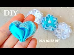 Ribbon Embroidery Tutorial, Ribbon Flower Tutorial, Hair Bow Tutorial, Diy Ribbon, Ribbon Work, Fabric Ribbon, Ribbon Crafts, Fabric Flowers, Making Hair Bows