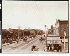 Carriages on Washington Street in Phoenix, Arizona, [s.d.] :: California Historical Society Collection, 1860-1960