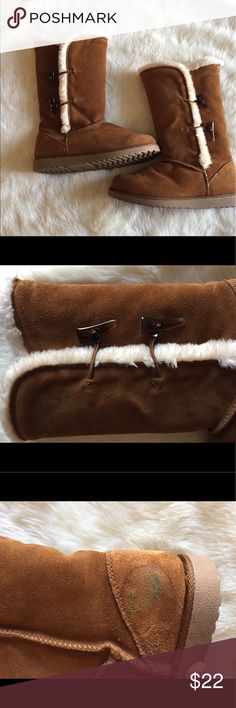 Ugg Style Boots Good condition except for one spot on the inner side of one boot. Shown in picture above. Shoes Winter & Rain Boots