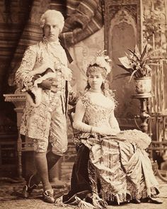 Cornelius Vanderbilt II (neé Alice Claypoole Gwynne) as costumed for the infamous ball hosted by his brother and sister-in-law Mr. Vanderbilt is dressed as Louis XVI and Mrs. Vanderbilt as Alva Vanderbilt, Cornelius Vanderbilt, Vintage Pictures, Old Pictures, Old Photos, Vintage Images, Marie Antoinette, Fancy Dress Ball, Gilded Age