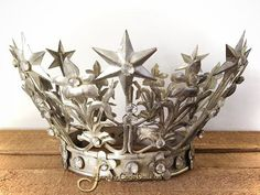 SantosCageDoll.com — Vintage Style French Madonna Crown, Medium Silver Plated