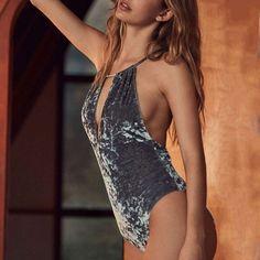 2017 Womens Velvet Bodysuits Ladies Sexy Backless Rompers Deep V Neck Elegant Playsuit Bodycon Fitness Jumpsuit Body Suit Femme