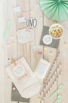 Ideas Para Fiestas, Party In A Box, Happy B Day, 1st Birthdays, Craft Party, Artsy Fartsy, Party Invitations, Cake Toppers, Special Occasion