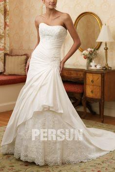 Taffeta Sweetheart A-line Royal Train Lace Wedding Dress on Sale at Persun.co.uk