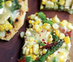 Blistered corn and asparagus grilled pizza