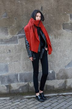 All black outfit topped with large red statement scarf. -Lily. #ulzzang #fashions #streetstyle
