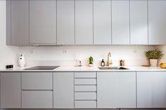 Voorbeeld grijze keuken