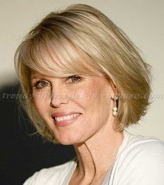 17.Short Hair Style For Over 50