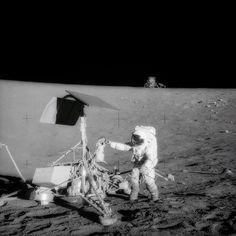Apollo 12: Pete Conrad messing with Surveyor 3.