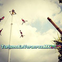 Gran #presentación de los #voladores de #Papantla en #NuevoMexico http://www.turismoenveracruz.mx #Veracruz