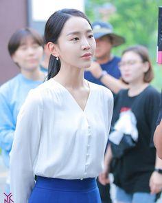 #ShinHyeSun #신혜선 ✦ ` • ° #AngelsLastMissionLove #단하나의사랑 #OneandOnlyLove #KimMyungSoo #김명수 #엘 #사의찬미 #HymnofDeath #서른이지만열일곱입니다… Korean Actresses, Korean Actors, Actors & Actresses, Instyle Magazine, Cosmopolitan Magazine, Park Si Hoo, Kim Myung Soo, Kim Woo Bin, Photos Tumblr