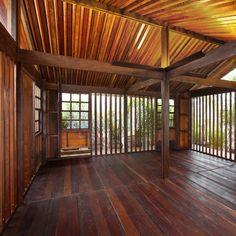 317: José Zanine Caldas / Demountable House