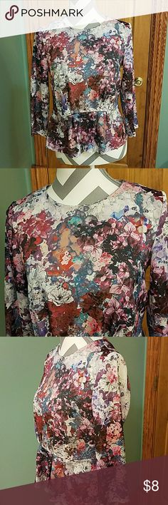 H&M DRESS TOP SIZE 6!!! This is a gorgeous dress top worn worn twice in good condition!!! Does run more like a size 4 !!! H&M Tops Tees - Long Sleeve