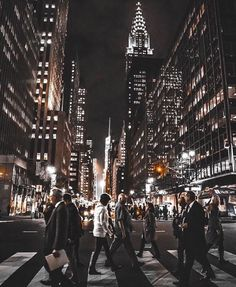 This is how I felt walking in NY.you just blend right in.❤️NYC New York City Travel Honeymoon Backpack Backpacking Vacation Empire State Of Mind, Empire State Building, New York City, Photo New York, A New York Minute, City Vibe, City Aesthetic, City Photography, Coffee Photography