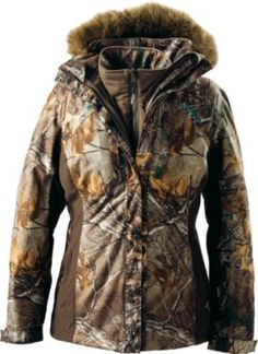 Cabela's OutfitHer™ Dry-Plus® 4-in-1 Parka. SIZE MEDIUM. REALTREE XTRA// this coat is the shit. Keeps me warm!