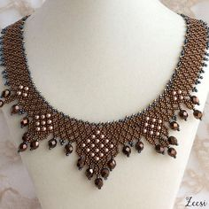 Lustre Cooper Collar Necklace Peach Pearl Beaded Necklace