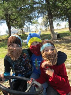 Ready to ship  My 8 and 5 y.o. granddaughters are modeling for me !  Circumference 18 unstretched  Viking long beard hat. This is a great beanie