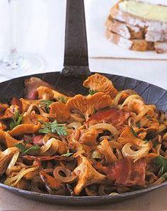 Rezept: Pfifferling-Pfanne mit Speck und Zwiebeln