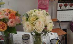 www.flowerhillflowers.com  #fhflowers #tlc #tlcrandytotherescue  #weddingbqts #bridalbqts #sandiegoflorist #whitebridalbqt #orangebridalbqt