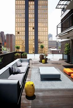 This Braamfontein apartment has a view to make any Jo'burg enthusiast swell with pride. Apartamento Penthouse, Outdoor Rooms, Outdoor Living, Exterior Design, Interior And Exterior, Architecture Design, Sustainable Architecture, Residential Architecture, Contemporary Architecture