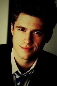 Aaron Tveit <3 - Just keep smiling, that's enough for me!