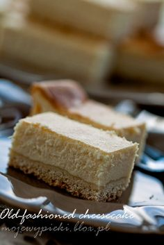 old-fashioned cheesecake, cheesecake traditional cheesecake on a pastry base, classic cheesecake, cheesecake Nigella Lawson
