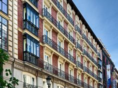 Madrid Catalonia Plaza Mayor Hotel Spain, Europe Catalonia Plaza Mayor Hotel is conveniently located in the popular City Center area. The property features a wide range of facilities to make your stay a pleasant experience. To be found at the hotel are free Wi-Fi in all rooms, Wi-Fi in public areas, room service, restaurant, elevator. Television LCD/plasma screen, internet access – wireless (complimentary), air conditioning, heating, desk can be found in selected guestrooms. T...