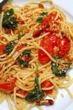 Spinach Bacon Spaghetti (via Sugar & Spice by Celeste)