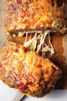 Mike Holmes' Famous Humongous Meatloaf: A souped up take on the Sunday fave that'll feed the entire fam Best Meatloaf, Meatloaf Recipes, Meat Recipes, Cooking Recipes, Fish Recipes, Stove Top Cornbread, Mike Holmes, Ground Sirloin, Ground Meat