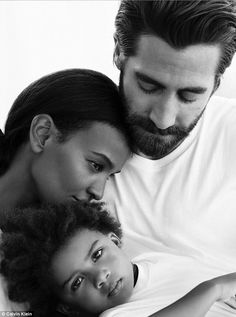 Mom And Baby Photography Discover Ethiopian model opens up about her campaign with Jake Gyllenhaal Trio: The model 40 with Jake 37 in an ad for the Calvin Klein Eternity fragrance last . Family Picture Poses, Family Posing, Family Photos, Family Photography, Portrait Photography, Toddler Photography, White Photography, Eternity Calvin Klein, Mother Baby Photography