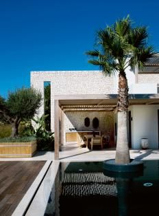 Piet Boon® presents its new sophisticated Outdoor Collection Outdoor Pergola, Outdoor Rooms, Outdoor Living, Exterior Design, Interior And Exterior, Porches, Portugal, Architecture Details, Villa