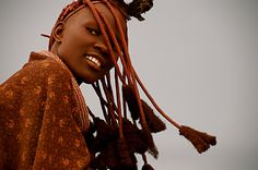 Another beautiful photo of a Himba woman, Namibia. Black Is Beautiful, Beautiful People, Himba Girl, Himba People, Dark Skin Girls, Tribal People, African Tribes, Portraits, We Are The World