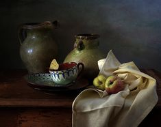35PHOTO - Карачкова Татьяна - Зеленые кувшины и два яблока