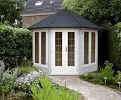 Personal studio /hideaway in the bottom of the garden
