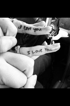 Couples finger tattoos in each other's handwriting ♡♥
