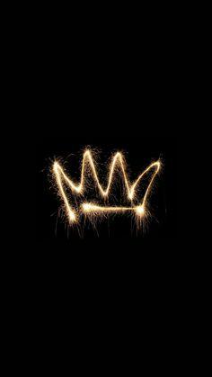 crown, wallpaper, and black image Queens Wallpaper, Cute Wallpaper For Phone, Emoji Wallpaper, Tumblr Wallpaper, Black Wallpaper, Screen Wallpaper, Wallpaper Quotes, Wallpaper Backgrounds, Queen Wallpaper Crown