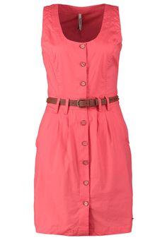 Vestido tipo camisero de la colección actual de Pepe Jeans, en color coral. Consíguelo en Glam2Glam con un 40% de descuento!!!!!