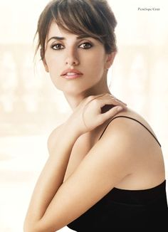 This makeup look is so soft, polished & sophisticated! I love Penelope Cruz in the Lancome ads.