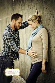 One of the cutest, most romantic and loving maternity photos I've seen!!!